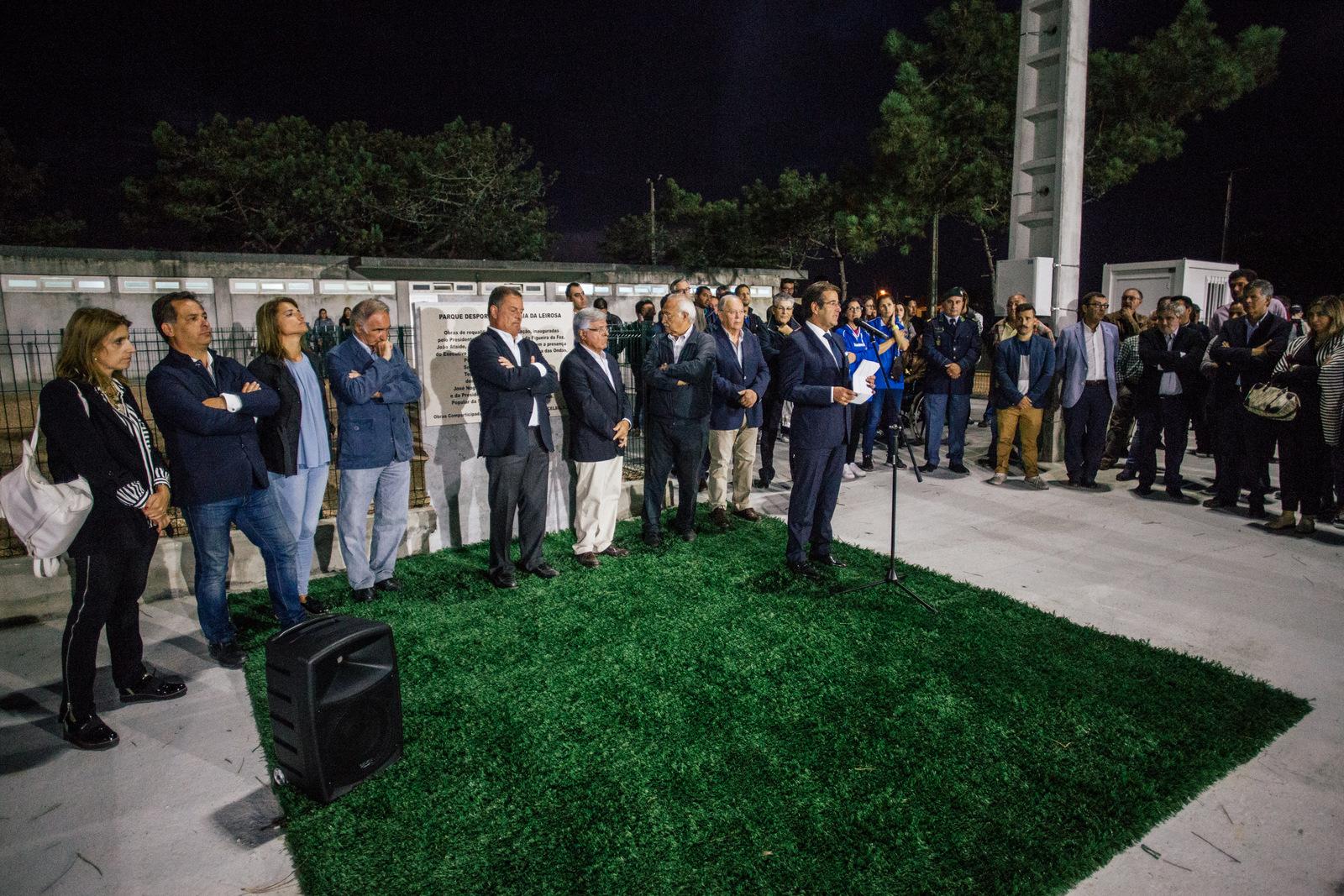O administrador da Celbi fala na inauguração do clube Praia da Leirosa