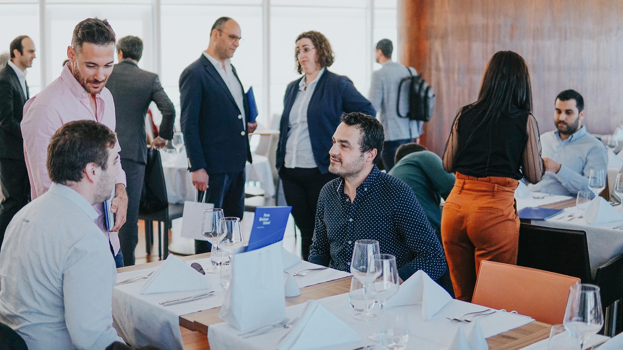 Na Sessão de Encerramento do curso, que decorreu no dia 27 de Março no Eurostars Oasis Plaza, na Figueira da Foz, foram entregues os diplomas do curso. No final, os participantes confraternizaram num almoço-convívio
